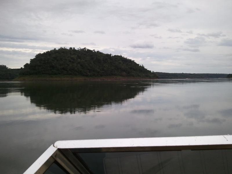 Die Insel mitten im Paraná