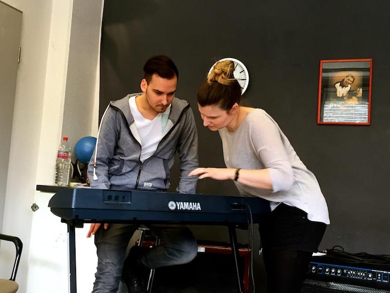 Hilft alles nix - Tom, ab ans Piano