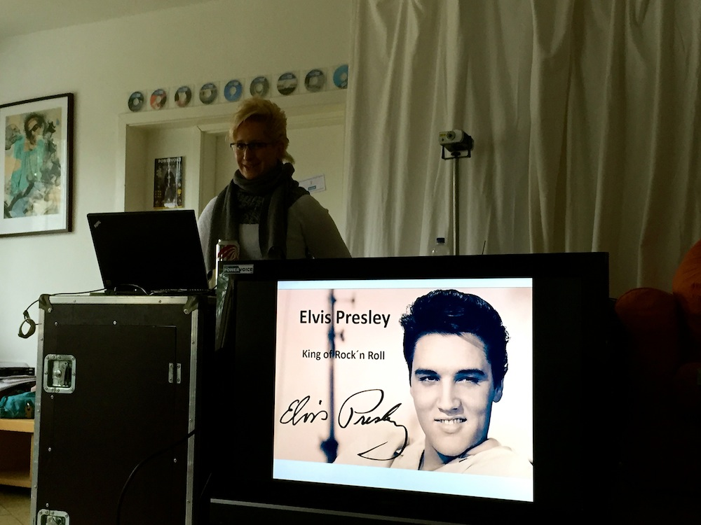 Sängerausbildung in Hamburg, fünfte Einheit. Grippewelle und verbotene Bilder von Elvis