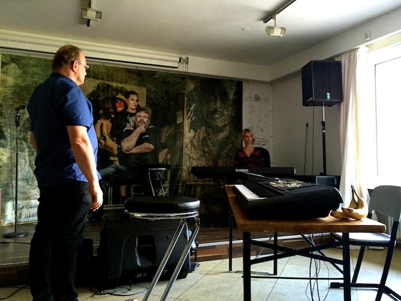 Trainingstöne: Julia coacht Dieter