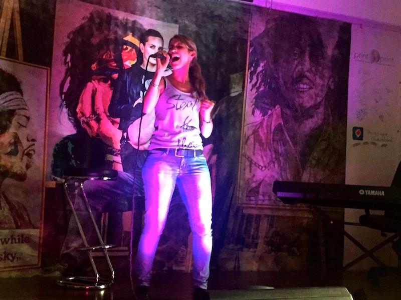 Chrissie rockt die Bühne