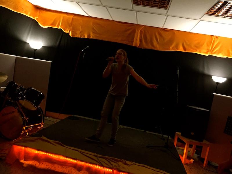 Open Stage: Caro rockt die Bühne