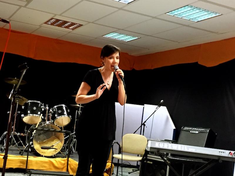 Fenja mit ihrem Chansontitel