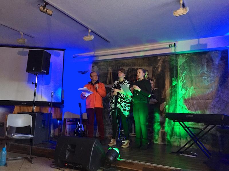 Dieter, Neele und Emely stellen ihren Song vor!