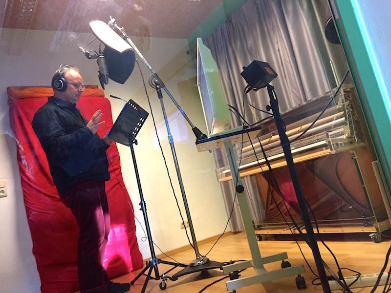 Dieter singt seinen Songpart ein