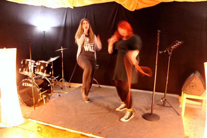 Chrissie und meine Wenigkeit rocken die Bühne