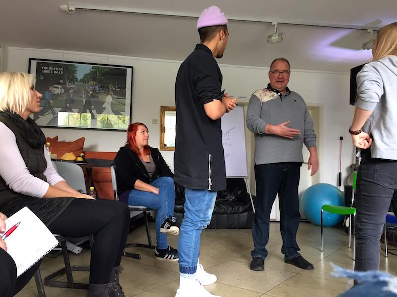 Ausbildung zum Vocalcoach: Ray erklärt die Atmung