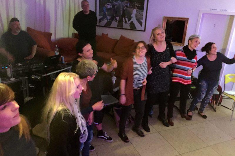 "Ausbildung zum Vocalcoach: Ina haut zum Abschluss ""Whats Up"" raus!"