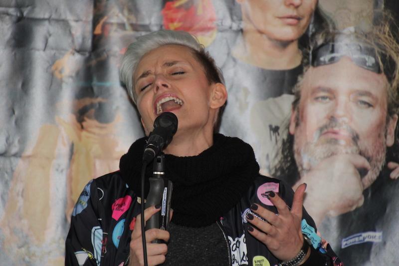 Ausbildung zum Vocalcoach: Kati macht den Opener.