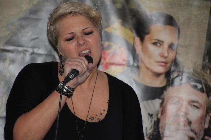 Ausbildung zum Vocalcoach: Caro performt Adam Lambert!