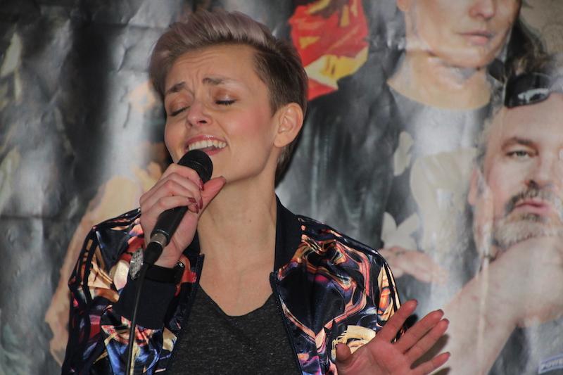 """Ausbildung zum Vocalcoach: Kati, performt """"Masterpiece"""" von Jessie J."""
