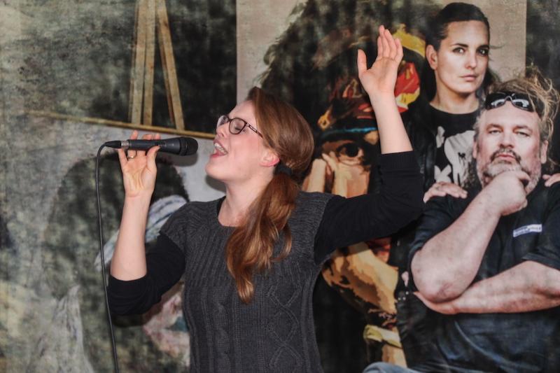 Sängerausbildung Dezember 2017: Sarah rockt die Bühne