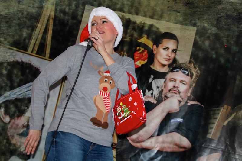 Sängerausbildung Dezember 2017: Susi rockt den Christmas-Tree