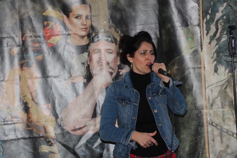 Sängerausbildung Januar 2018: Andrea berührt mit Jennifer Rostock