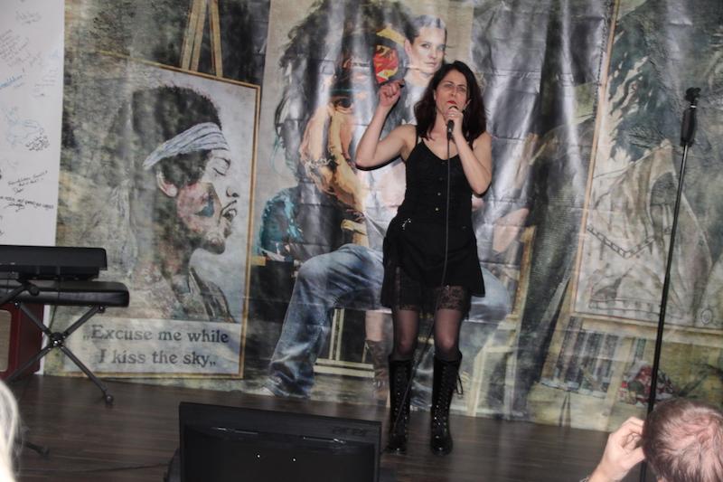 Sängerausbildung März 2018: Andrea rockt die Bühne