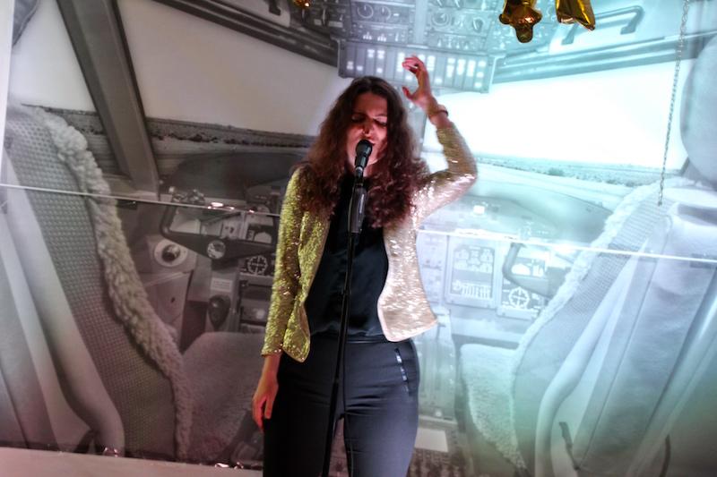 Sängerausbildung April 2018: Christine packt Elvis Presley aus