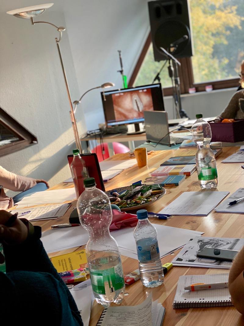 Anatomie & Physiologie der Stimme mit unserer Logopäding Claudia Stein-Völling