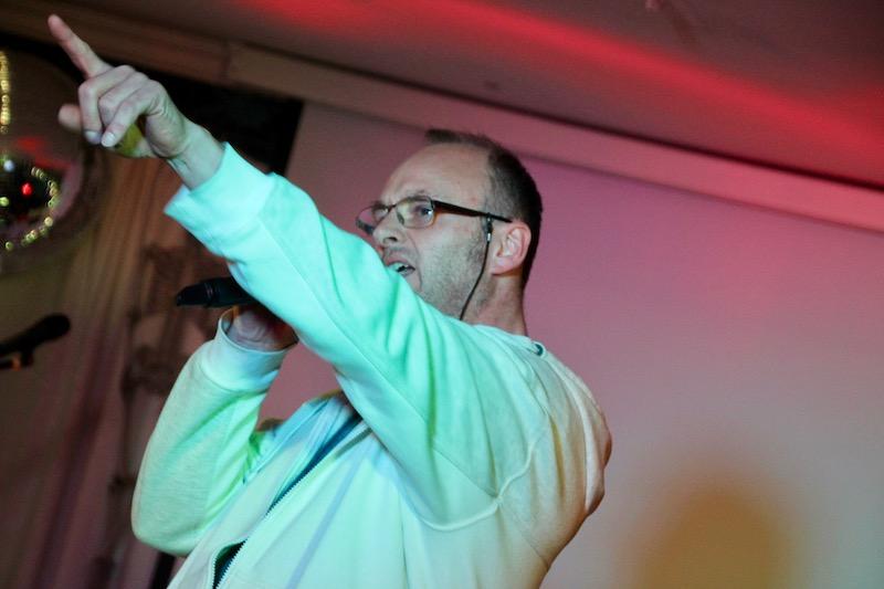 Steffen singt - Aber bitte mit Sahne