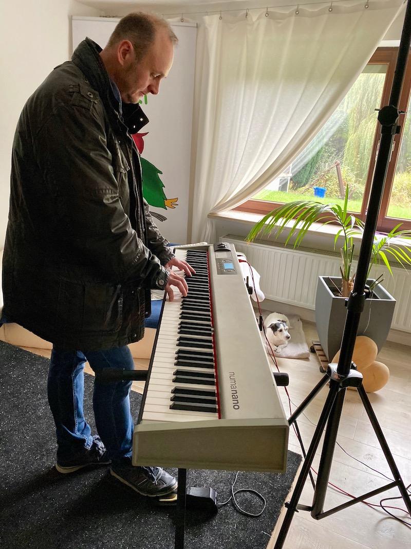 Steffen checkt das Piano